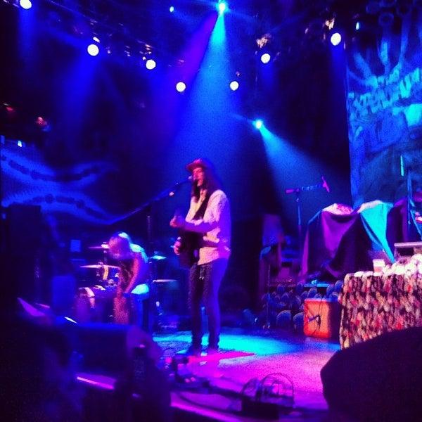 Foto diambil di House of Blues oleh Ashlee pada 9/30/2012