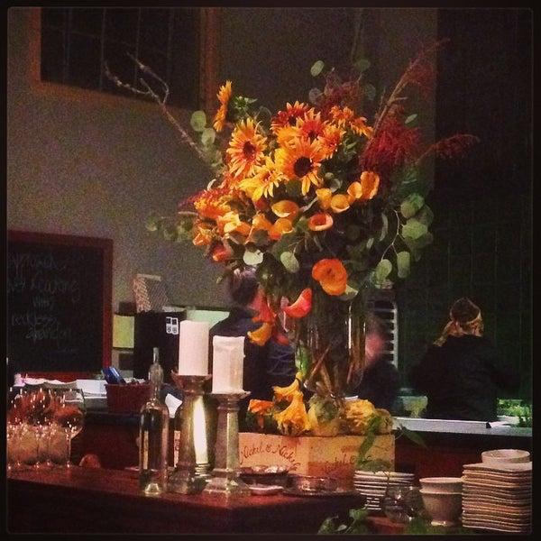 รูปภาพถ่ายที่ Olive & Vine โดย Heather L. เมื่อ 10/26/2014