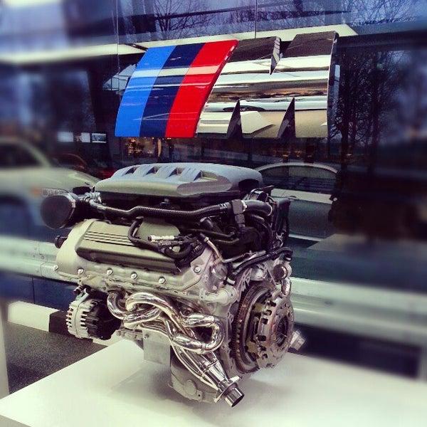 Foto tirada no(a) BMW Welt por Valeria Z. em 1/11/2013