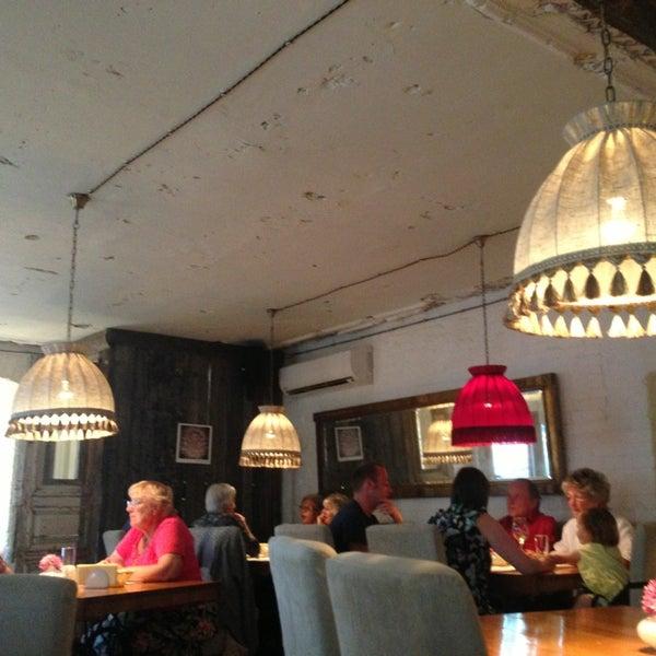 Photo prise au Le Bouchon Café par Rustam K. le6/23/2013