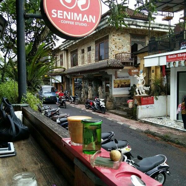 Foto scattata a Seniman Coffee Studio da Yussi A. il 2/8/2016