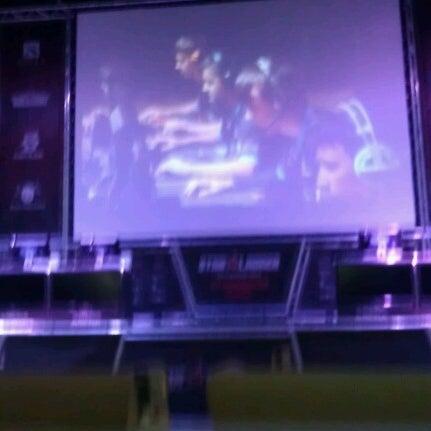 10/12/2012にТарас Р.がКиберcпорт Аренаで撮った写真