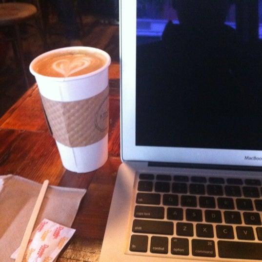 10/8/2012にDavid Andrew A.がLenox Coffeeで撮った写真