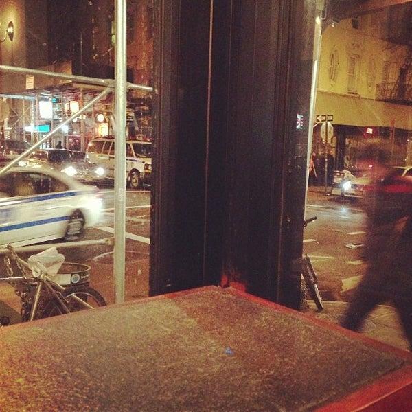 12/22/2012에 Ethan G.님이 Wolfnights에서 찍은 사진