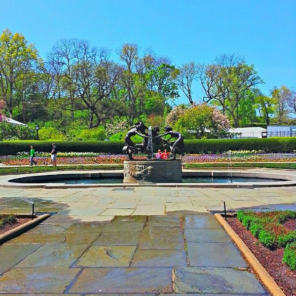 Foto scattata a Conservatory Garden da Troy W. il 5/2/2013