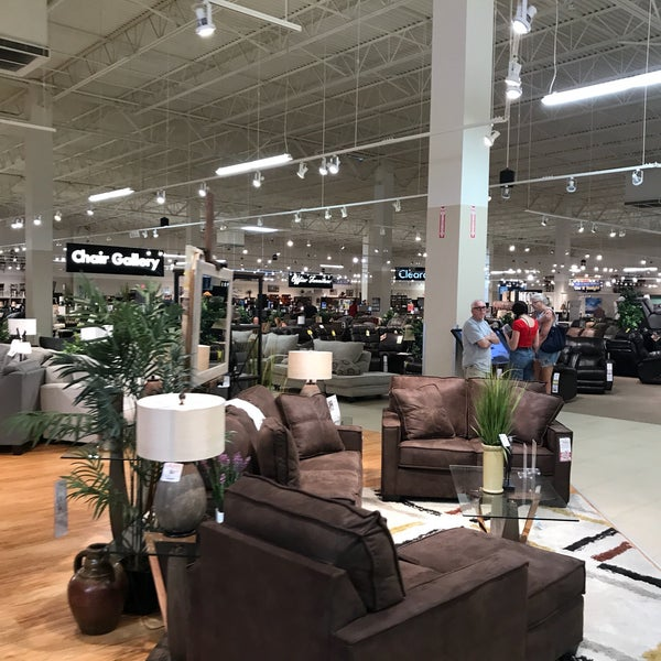 Furniture Home Stores: American Furniture Warehouse