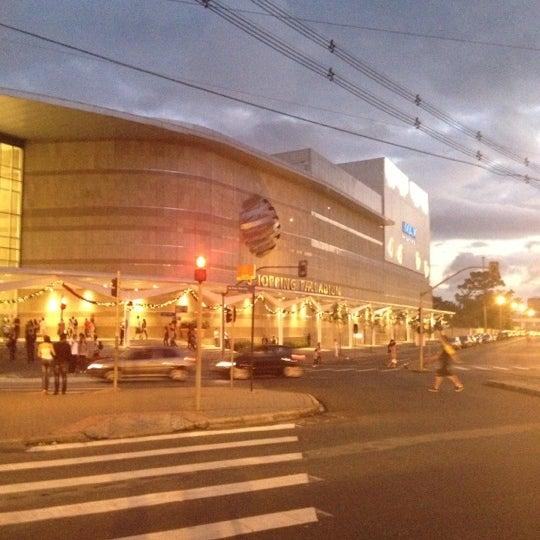 Foto tirada no(a) Shopping Palladium por Ryvan G. em 11/24/2012