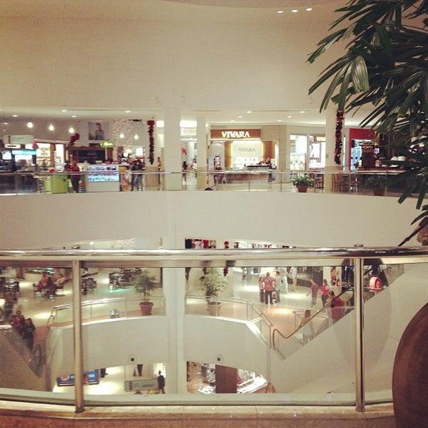 Foto tirada no(a) Shopping Palladium por Ryvan G. em 12/23/2012
