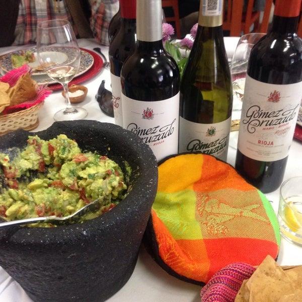 Das Foto wurde bei Restaurante Nicos von Andrew A. am 11/18/2014 aufgenommen