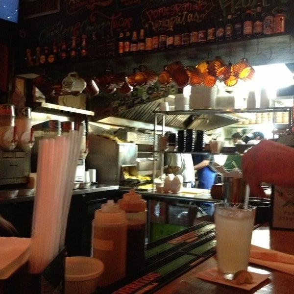 12/24/2012にBlue B.がJuan's Flying Burritoで撮った写真
