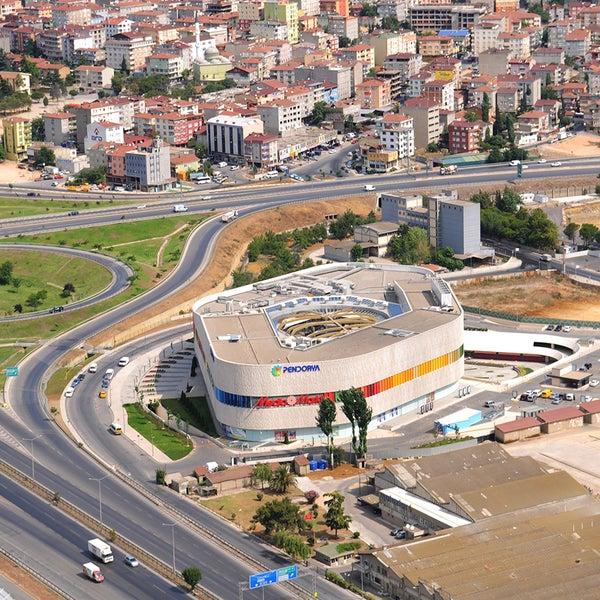 รูปภาพถ่ายที่ Pendorya โดย Pendik Belediyesi เมื่อ 10/16/2012