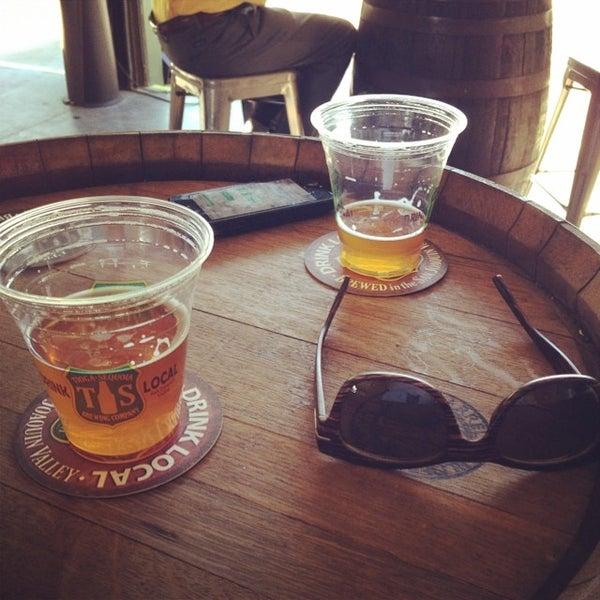 6/13/2014 tarihinde Alexandriaziyaretçi tarafından Tioga-Sequoia Brewing Company'de çekilen fotoğraf