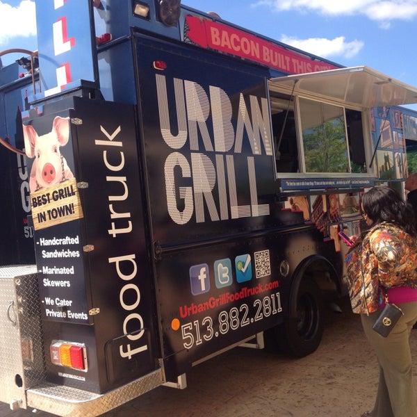 Foto tomada en Urban Grill Food Truck por Chris T. el 9/4/2013