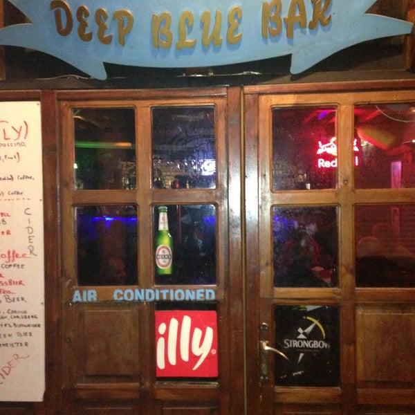 Foto tirada no(a) Deep Blue Bar por Atasay K. em 3/16/2013