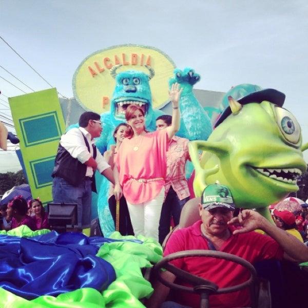 Photos At Gran Desfile Infantil Mundo De Fantasia General
