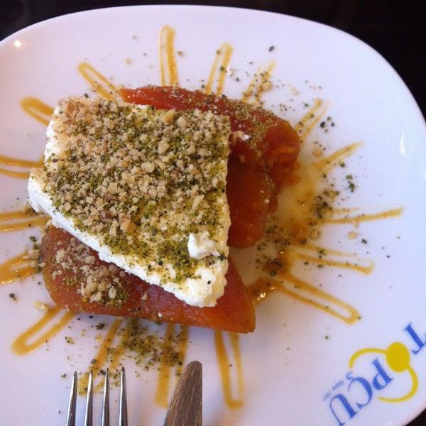 Foto diambil di Topçu Restaurant oleh Ceren Y. pada 5/29/2013
