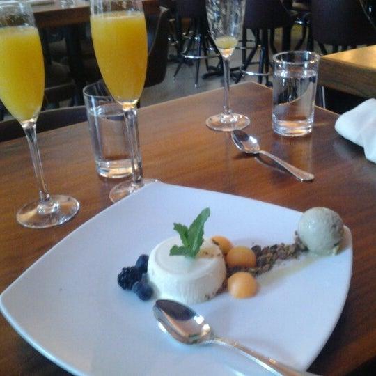 Foto tirada no(a) Cucina Asellina por Gary K. em 11/4/2012