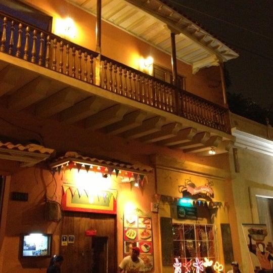 Das Foto wurde bei Bazurto Social Club von Luis Gmo D. am 9/30/2012 aufgenommen