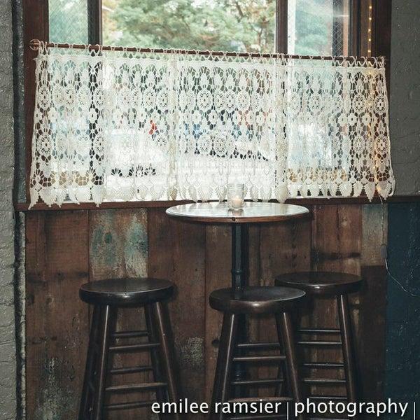 รูปภาพถ่ายที่ The West—Coffeehouse & Bar โดย The West—Coffeehouse & Bar เมื่อ 9/21/2014