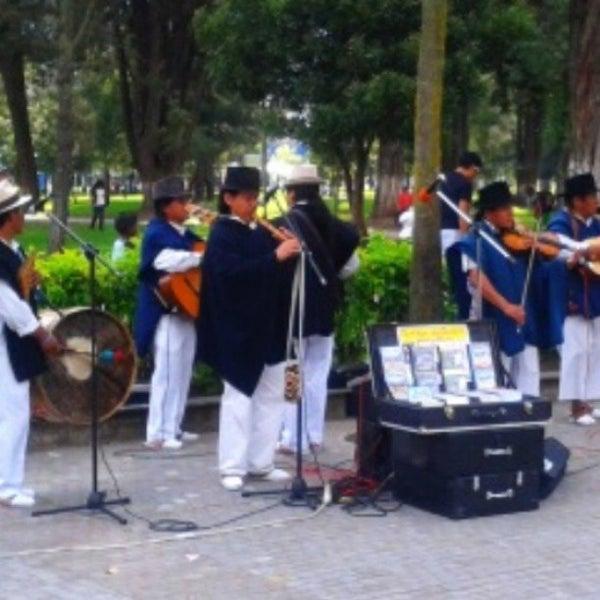 Foto diambil di Parque El Ejido oleh SANTIAGO V. pada 5/25/2013