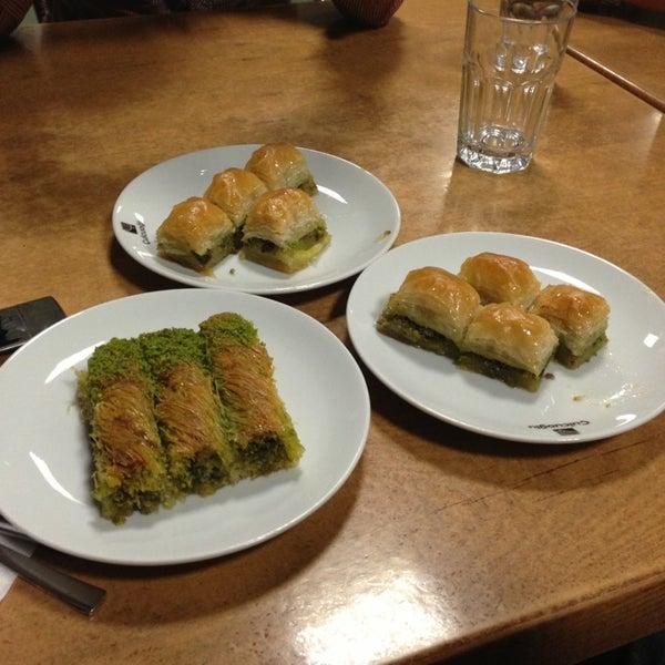 Снимок сделан в Çulcuoğlu Restaurant пользователем Mahmut A. 4/7/2013
