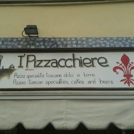 Photo taken at I' Pizzacchiere by alfredo c. on 10/3/2012