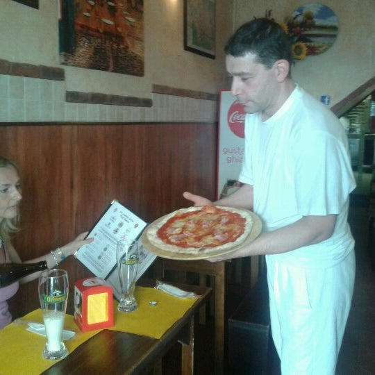 Photo taken at I' Pizzacchiere by alfredo c. on 9/28/2012
