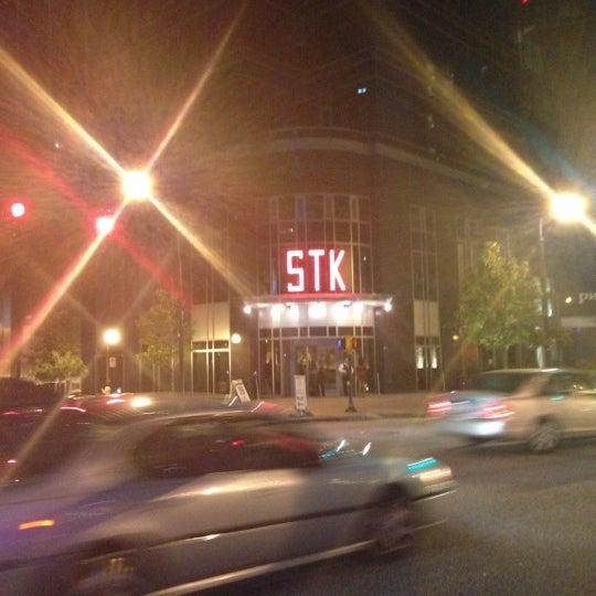 Foto scattata a STK Atlanta da Felix A. R. il 10/7/2012