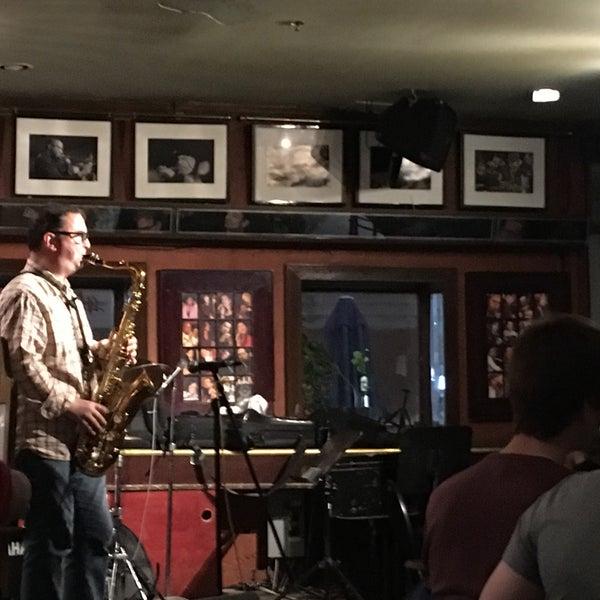 10/29/2018にArts Center KillingworthがThe Rex Hotel Jazz & Blues Barで撮った写真
