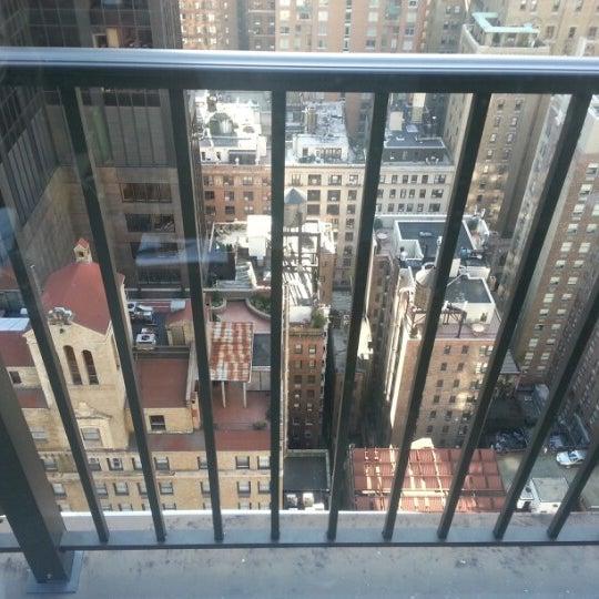 รูปภาพถ่ายที่ Upstairs โดย Derek N. เมื่อ 11/17/2012