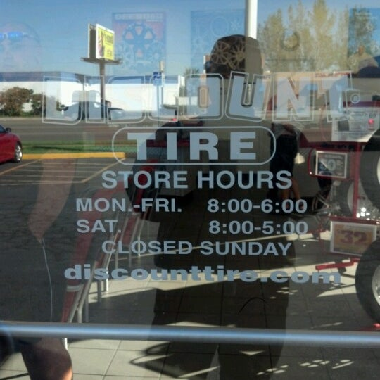 Discount Tire Hours Sunday >> Photos At Discount Tire 4 Tips