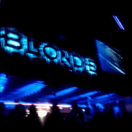 รูปภาพถ่ายที่ BLONDIE โดย Boris D. เมื่อ 3/10/2013