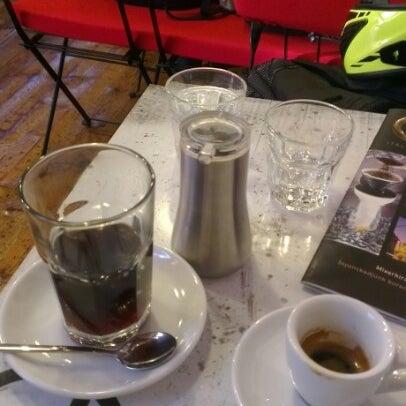 9/28/2012にBalázs R.がTamp & Pull Espresso Barで撮った写真