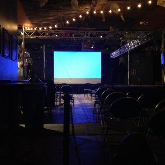Foto tirada no(a) The Green Room por Risa . em 10/31/2012