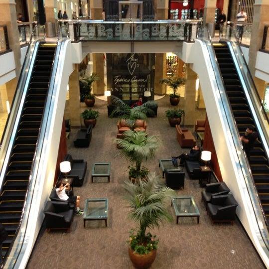 10/29/2012 tarihinde Andrew B.ziyaretçi tarafından Tysons Corner Center'de çekilen fotoğraf