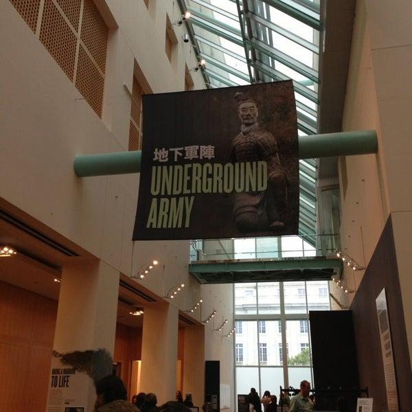 5/17/2013 tarihinde Kathryn B.ziyaretçi tarafından Asian Art Museum'de çekilen fotoğraf