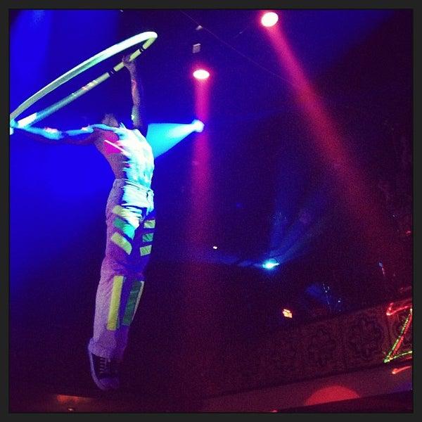 รูปภาพถ่ายที่ Opera Teatro Bar โดย Gerardo R. เมื่อ 7/27/2013