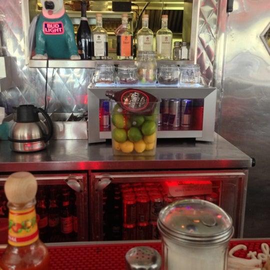 Снимок сделан в Silk City Diner Bar & Lounge пользователем Deb 12/1/2012