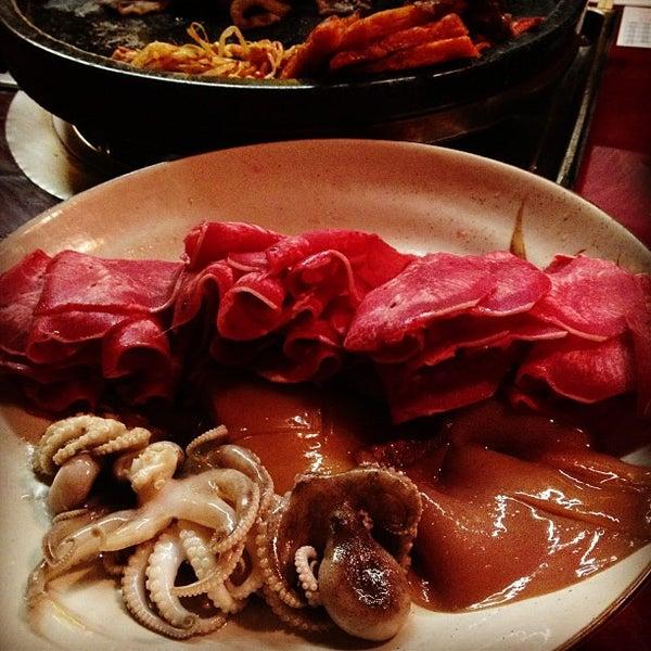 Foto scattata a Hae Jang Chon Korean BBQ Restaurant da Curly C. il 11/20/2012