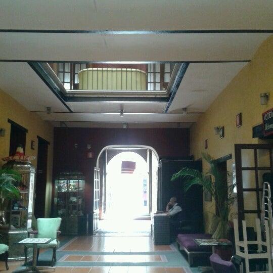 Foto tomada en Hostal Regina por Laurinky P. el 10/1/2012