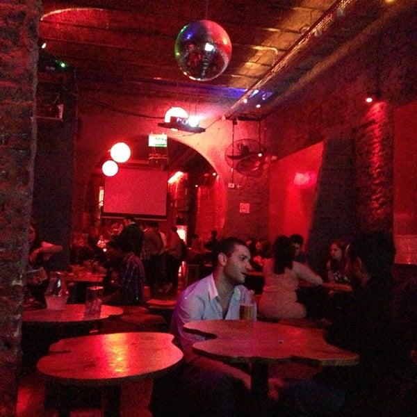 3/16/2013 tarihinde Estefania L.ziyaretçi tarafından Sugar Bar'de çekilen fotoğraf