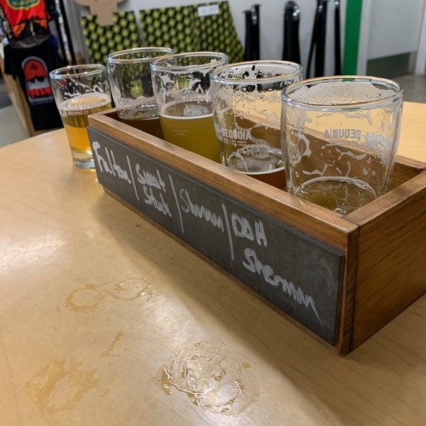 12/22/2019 tarihinde Seth C.ziyaretçi tarafından Tioga-Sequoia Brewing Company'de çekilen fotoğraf
