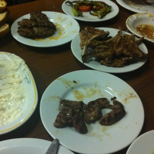 รูปภาพถ่ายที่ Cafer Usta Bolu Dağı Et Mangal โดย Alper B. เมื่อ 11/27/2012
