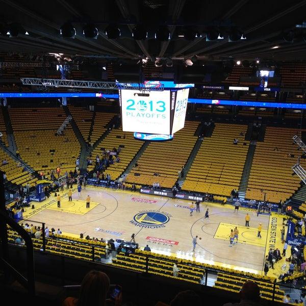 รูปภาพถ่ายที่ Oakland Arena โดย Angeles D. เมื่อ 5/3/2013
