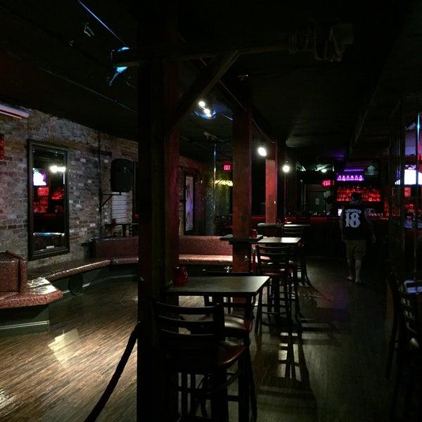 Foto tomada en Avenue Gastrobar por Gary S. el 3/21/2017