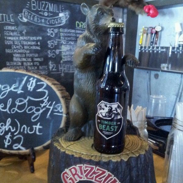Das Foto wurde bei Buzzmill Coffee von Alachia Q. am 4/16/2013 aufgenommen