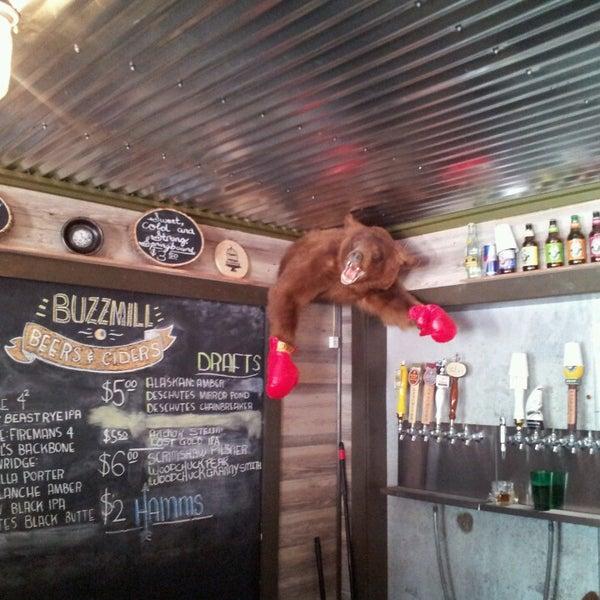 Das Foto wurde bei Buzzmill Coffee von Alachia Q. am 5/1/2013 aufgenommen