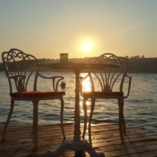Foto tomada en Boon Cafe & Restaurant por Erdinç Ç. el 7/26/2014