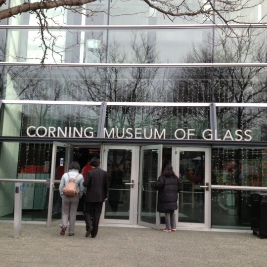 Photo prise au Corning Museum of Glass par Diana Raíza Q. le11/20/2012