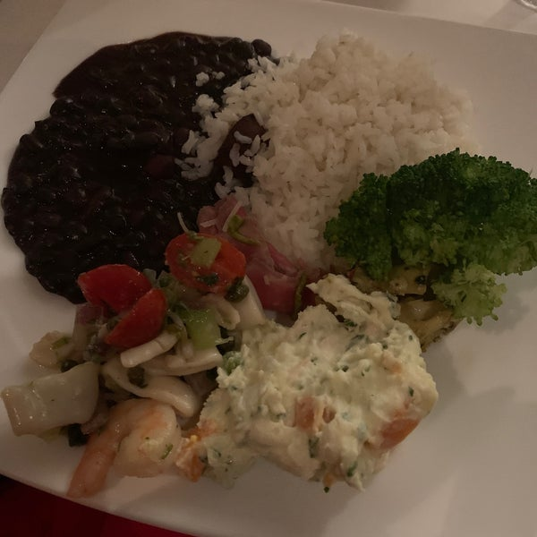 Foto diambil di Chima Brazilian Steakhouse oleh Queen Minx K. pada 1/8/2020
